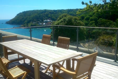 Salcombe Apartment - Large Decking and Sea Views - Apartamento