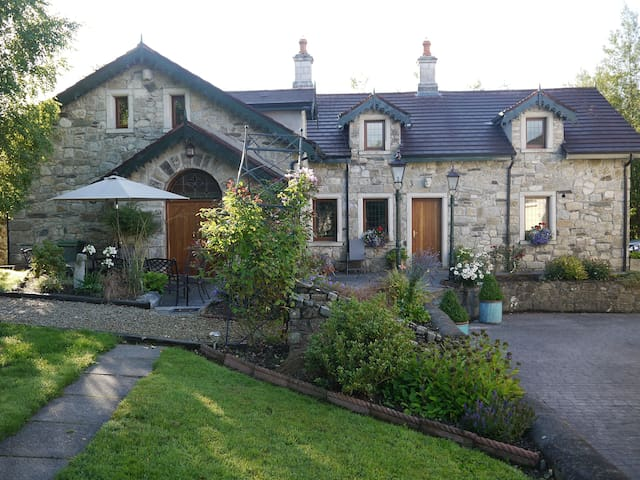 Kilranelagh Lodge - Home in the Countryside