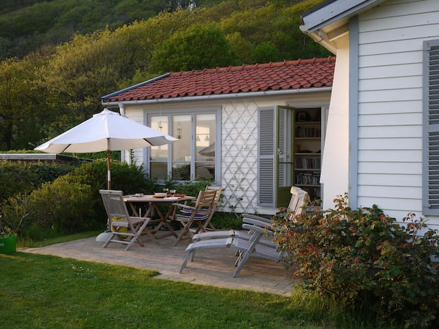 Mölle - Cozy Cottage and Guesthouse with seaview - Höganäs N - Casa