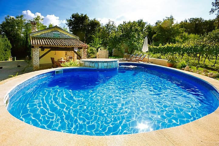 Authentic Pool house - Casa Corona - Labin - Maison