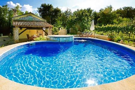 Authentic Pool house - Casa Corona - ลาบิน