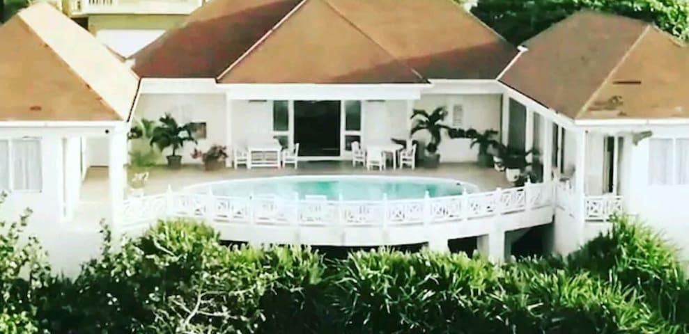 Panoramic Seaside Bed &Breakfast Ocho Rios Jamaica