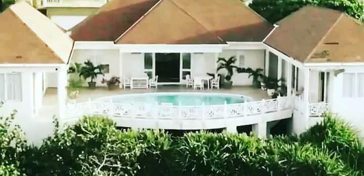 Villa Bennmaya Jamaica's seaside Bed & Breakfast#1