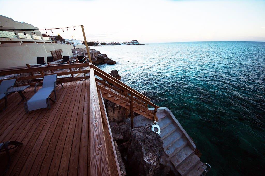 Extended patio & Ocean access