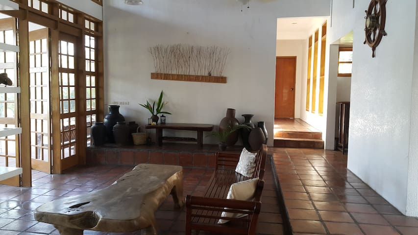 Private Beach House for 9 - San Juan - Talo