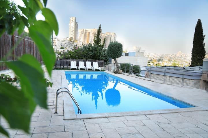 A crazy villa with a pool in the center  Jerusalem