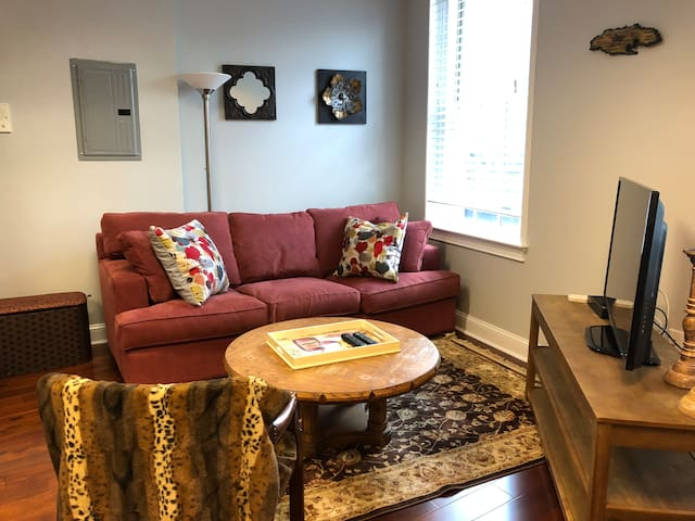 Best location in Boston!! Bright, modern  studio