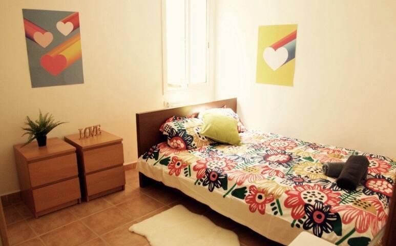 Cozy doubleroom in the heart of barcelona