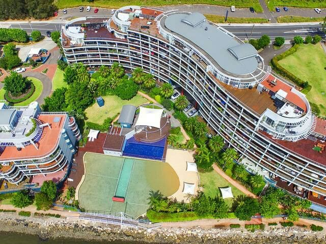 Resort style getaway in the heart of the action - Wentworth Point - Apartment