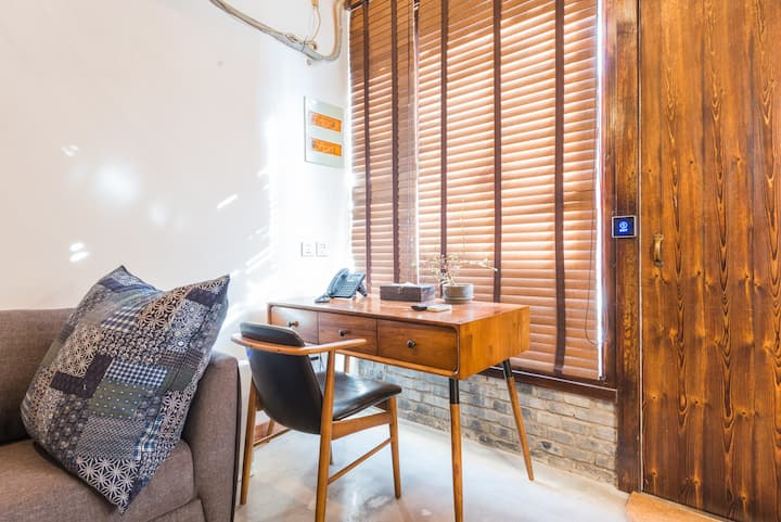Monthly Discounted- Orchid Amazing Hutong Loft