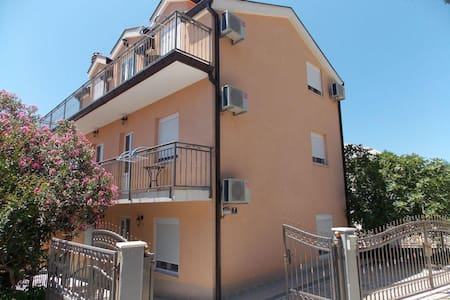 Studio flat with terrace Podaca, Makarska (AS-11748-b) - Podaca