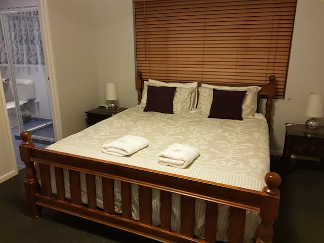 King bed and Ensuite