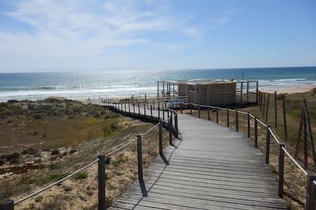 Salgados Beach/Golf Apartment - Vale Rebelho - Apartemen
