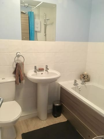 Double bedroom with harbour view - Poole - Pis