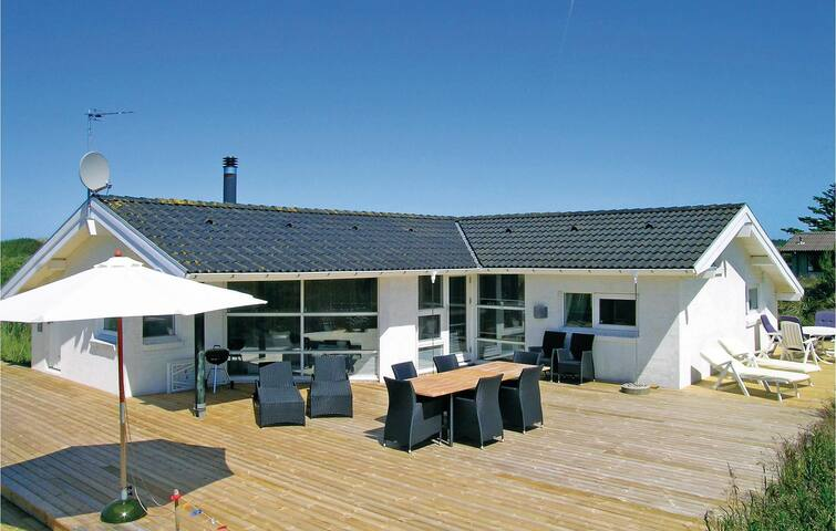 Holiday cottage with 3 bedrooms on 101 m² in Bindslev