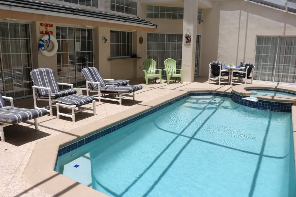 Pool, Water, Jacuzzi, Tub, Chair