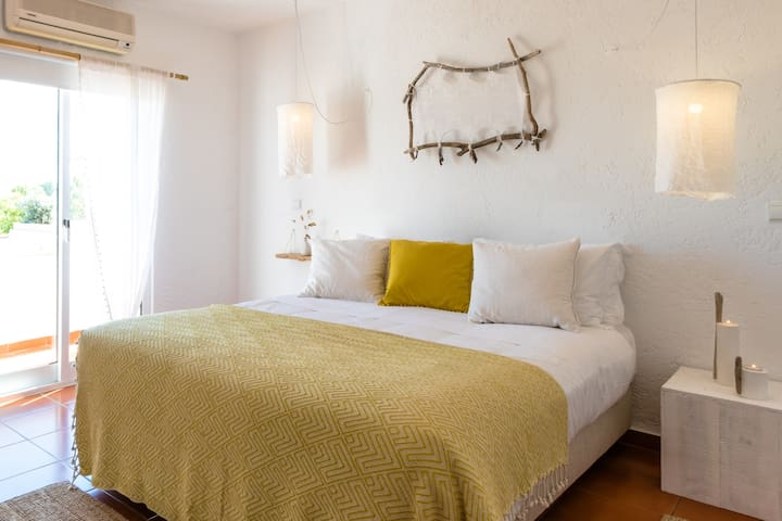 Utopia Guest House Double Room with Balcony
