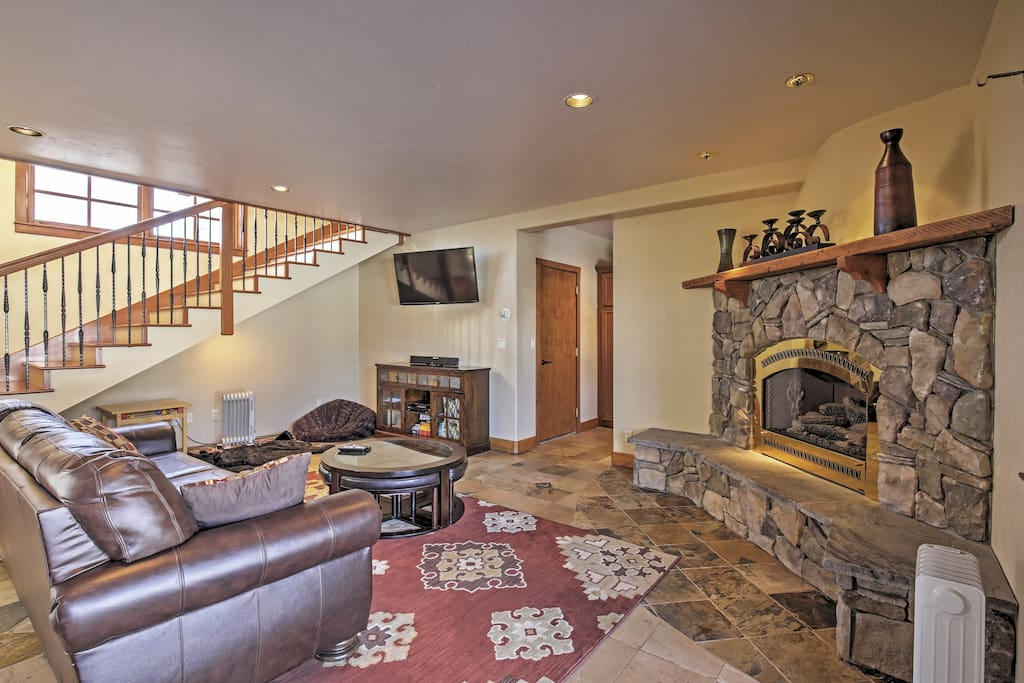 You'll love this home's gorgeous, tastefully decorated interior
