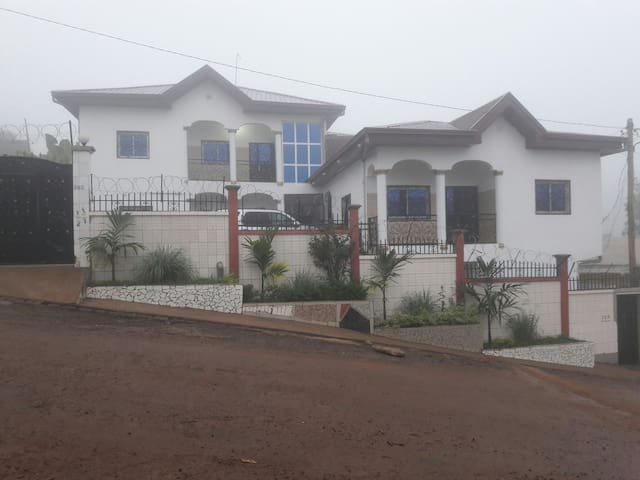 Affordable Luxury Furnished 2 BR Apt, Mimboman-Yde