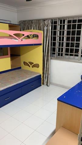 安静方便的小房间