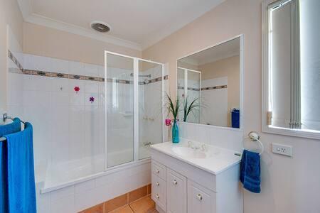 Comfortable, safe, Warner Villa with Pool & WIFI - Warner