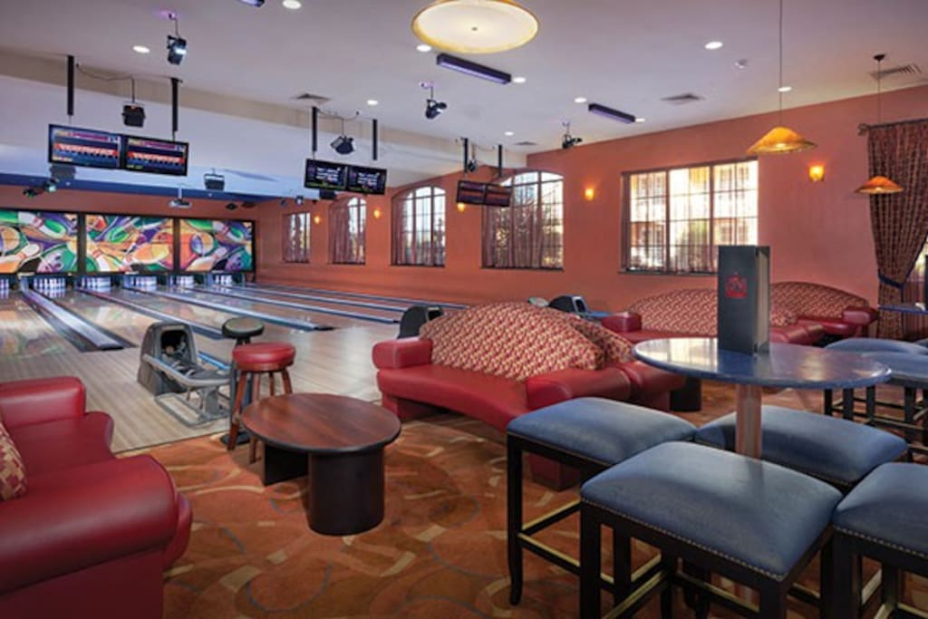 ON SITE BOWLING LANES: CRUSH ULTRA LOUNGE AND BAR