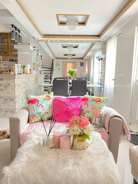 Entire House for Rent. Bright and Confortable :)