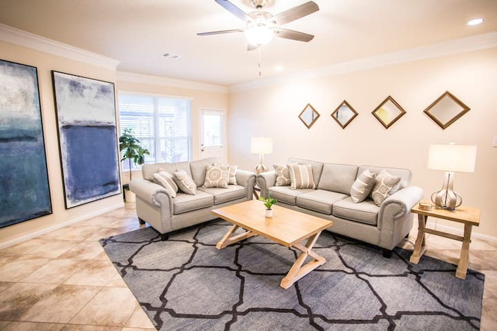Cozy Richmond home available for extended stay!