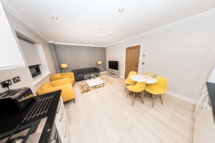 Brand New and Modern Apartment in Reading Centre - Reading - Lejlighed