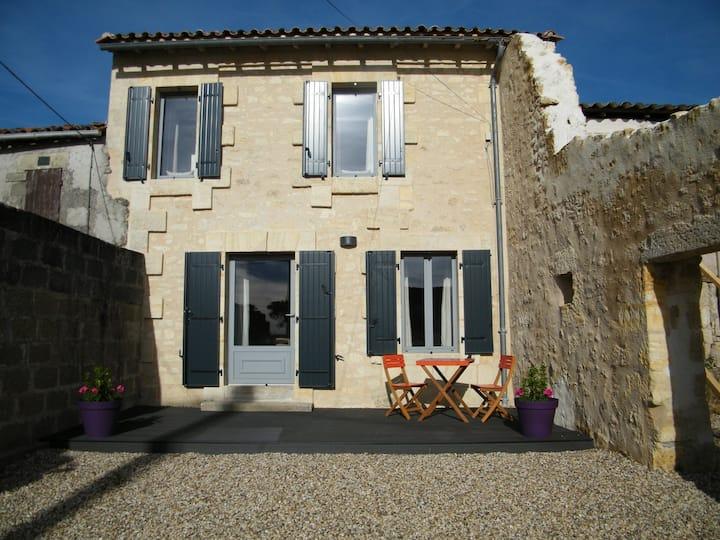 Vineyard Gites Nr Saint Emilion - The Cottage