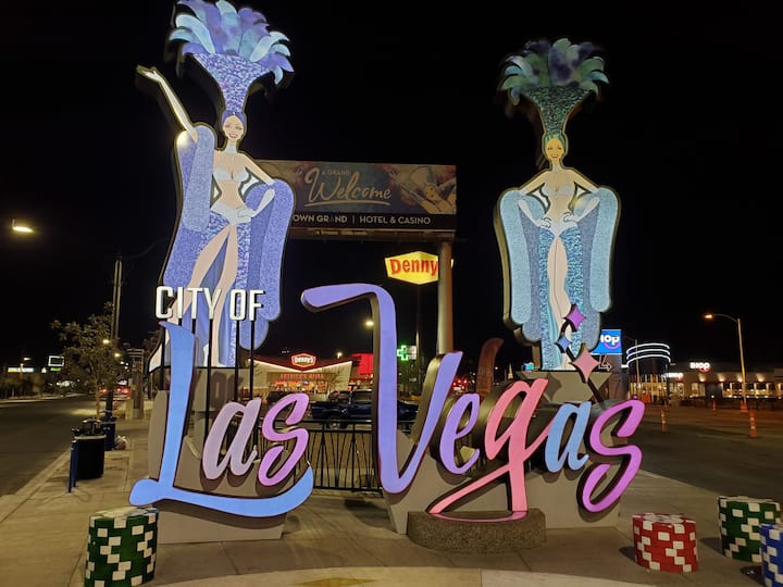 Vintage Vegas Downtown Arts District