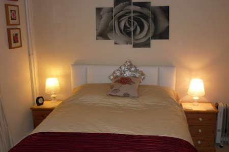 The Rose Room ensuite King size - Warminster - 住宿加早餐