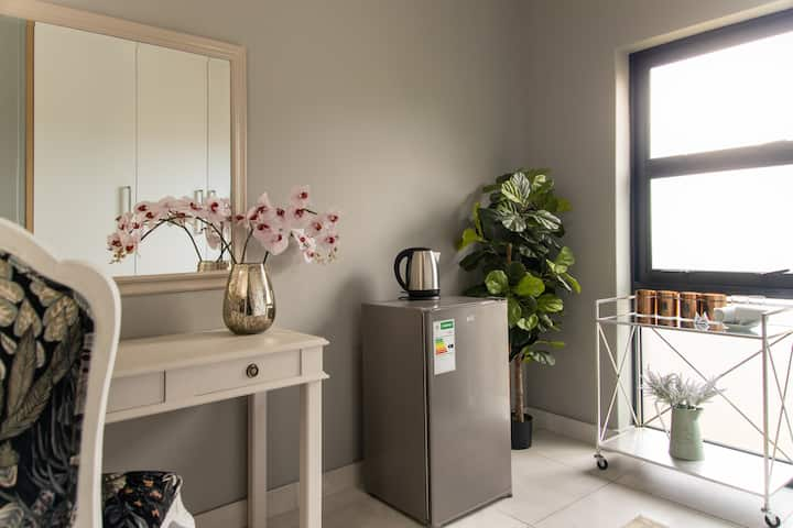 Orchid-King Honeymoon suite