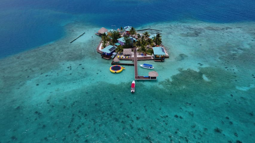 King Lewey's Island Resort Peach Seahorse Cabana