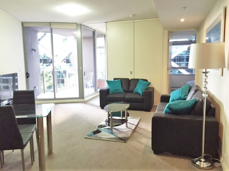 Darling Harbour Modern 2 Bed 2 Bath Parking Apartments For Rent In Sydney New South Wales