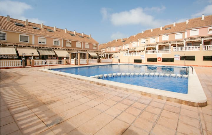 Awesome home in Santa Pola with Outdoor swimming pool, Outdoor swimming pool and 3 Bedrooms