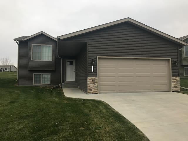 Entire floor of new home w 2bed/1bath, kitchenette