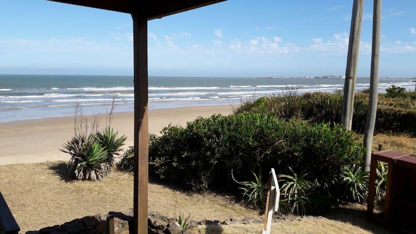 Costa Azul frente al mar