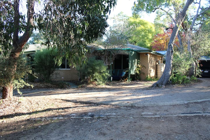 Perth Hills comfy guest suite Bandicoot Burrow