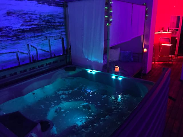 La Plage Suite with jacuzzi
