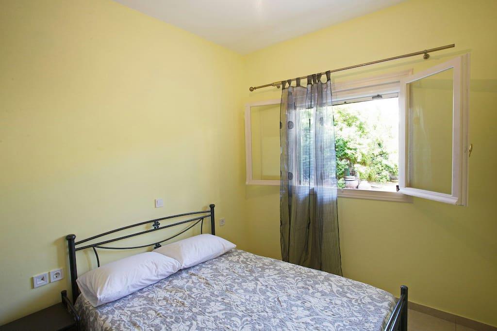δωμάτιο 2 /room 2
