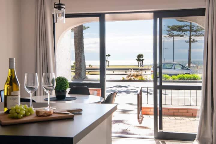 Seaview - Napier Holiday Apartment