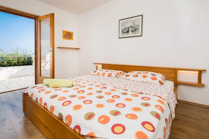 Charming room near beach - Zavala - Bed & Breakfast