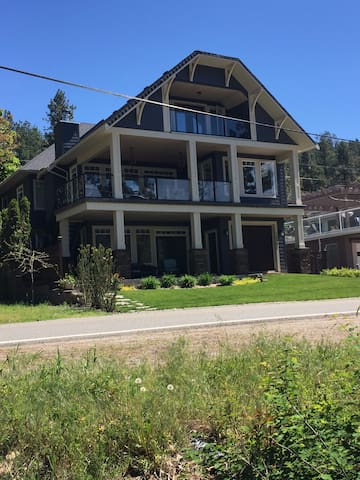 Beautiful Suite in Lake Country, BC