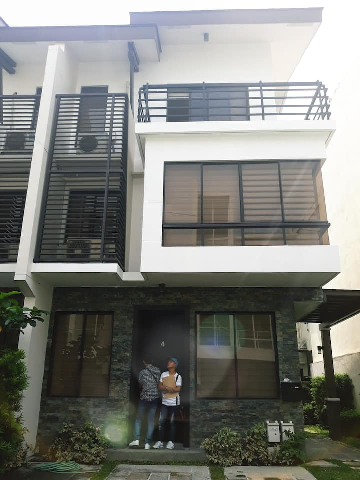 Cielo Duplex For Rent near BGC