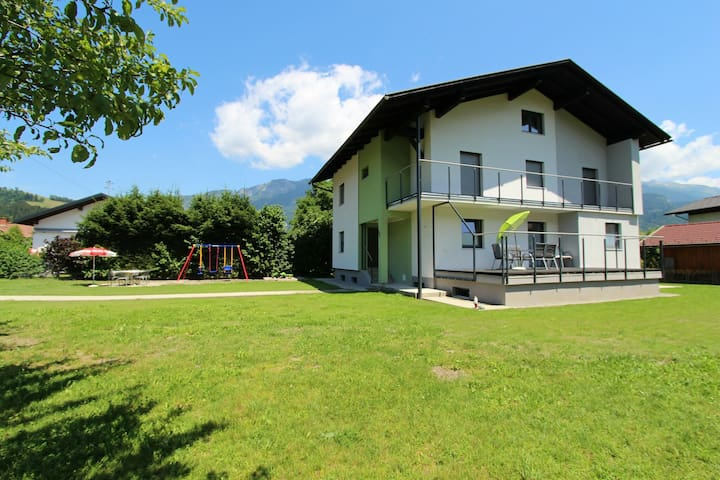 Nice apartment in detached house with large garden close to town centre and ski piste
