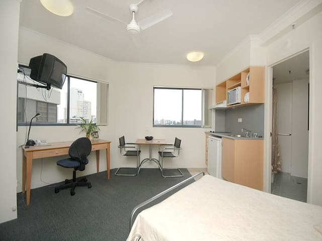 Studio Apartment on Margaret Street Brisbane CBD - Brisbane City - Pis