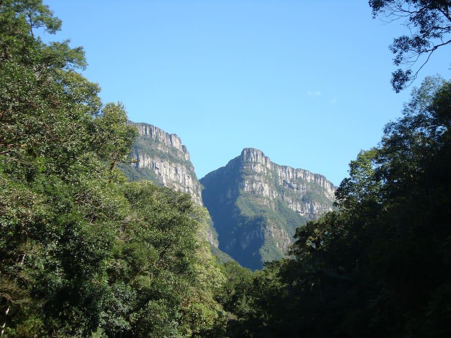 Paredões do Parque Nacional da Serra Geral.