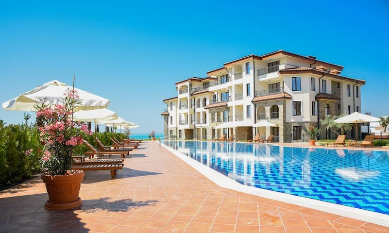 Luxury Apartment Burgas Beach Resort