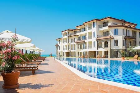 Luxury Apartment Burgas Beach Resort
